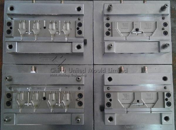 Plastic injection mould for Charger